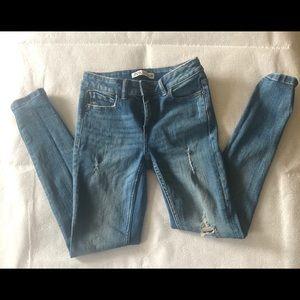 Sz, 0 Zara Blue distress Jeans